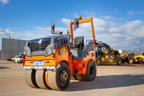 orange 4 tonne multi tyre roller